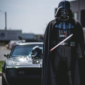 cropped-darth-vader-with-car